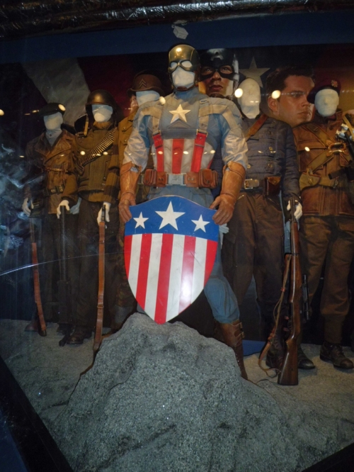 howling commandos costumes 2