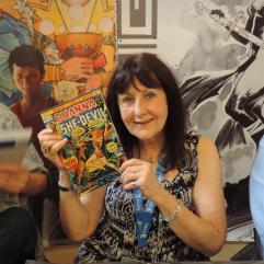 Linda Lessmann et mon exemplaire de Shanna The She-Devil